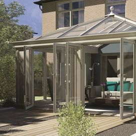 Contemporary style loggia conservatory